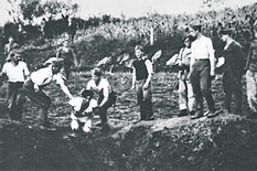 Ustaše_militia_execute_prisoners_near_the_Jasenovac_concentration_camp