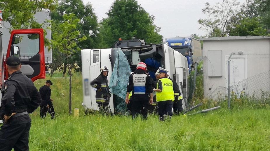 Wypadek autokaru z dziećmi w opolskim