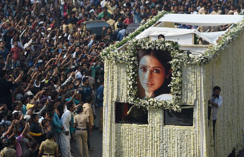 Pogrzeb gwiazdy kina. Pożegnało ją tysiące zrozpaczonych fanów