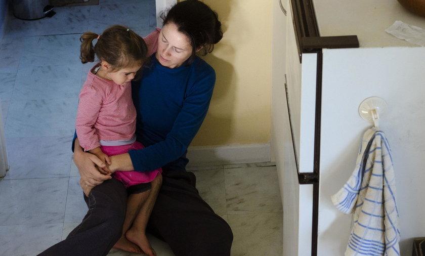 22-letnia matka próbowała sprzedać swoją 11-miesięczną córeczkę