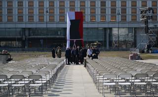 Dera: Nie wierzę, żeby PO ruszyła Pomnik Ofiar Tragedii Smoleńskiej