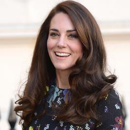Najnowsze zdjęcia księżnej Kate. Pięknie – fryzura, stylowa sukienka... I ten uśmiech!