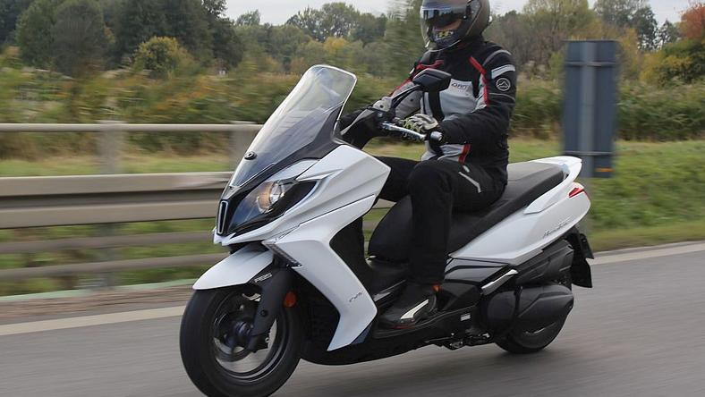 test skutera kymco new downtown 350i moto