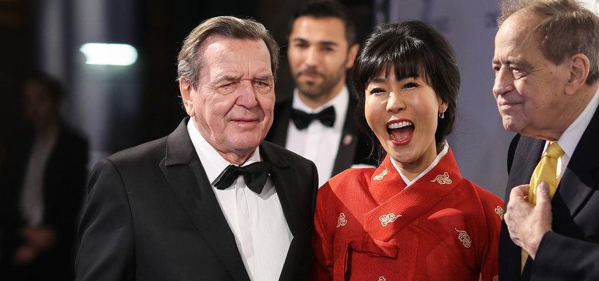 Były kanclerz Niemiec ma kłopoty. Musi zapłacić odszkodowanie byłemu mężowi swojej żony