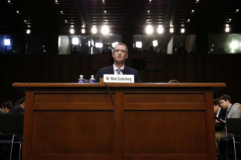 Założyciel Facebooka pod lupą. Zuckerberg złożył zeznania
