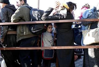 Do Grecji może przybyć nawet 60 tysięcy migrantów. 'Musimy przygotować się na zamknięcie granic'