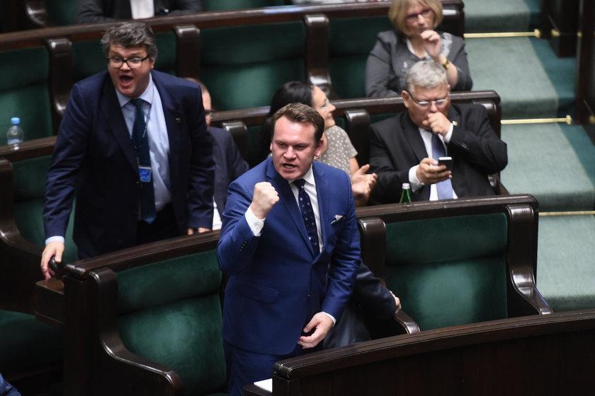 Tarczyński – poseł czy pozer?