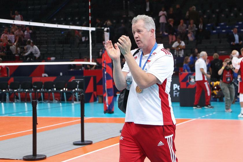 Belgijski trener oddał swój srebrny medal Pucharu Świata kibicowi.