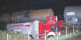 Strażacy zderzyli się z pociągiem. Są ranni