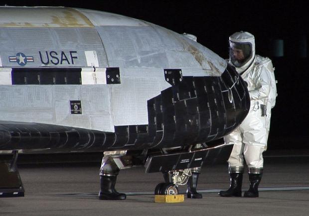 Inspekcja X-37B po locie
