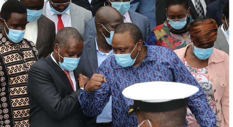 President Uhuru Kenyatta with National Assembly Majority Amos Kimunya and a section of Jubilee party MPs