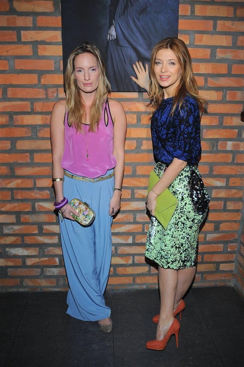 Polska aktorka powiększyła sobie pupę spódnicą