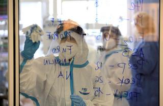 Koronawirus w Niemczech: Rekordowa liczba nowych przypadków - ponad 10 tys.