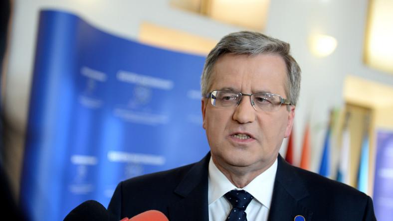 Komorowski krytykuje: Czechy i Słowacja wyszły przed szereg