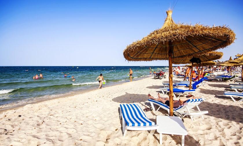 Turyści ze zorganizowanych wycieczek do Tunezji przylatujący tam między 1 a 9 lipcem, mogą skorzystać z ułatwiającego życie paszportu covidowego. Później nie będzie to już możliwe!