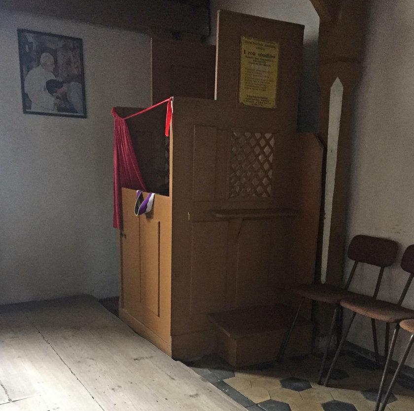 Konfesjonał w kościele św. Anny we wsi Długie