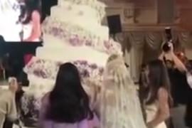 RUSKO VENČANJE O KOJEM PRIČA CEO SVET Mlada je nosila venčanice od 400.000 evra, mladoženja NIJE NI BIO NA SVADBI, ali to nije NAJČUDNIJA STVAR