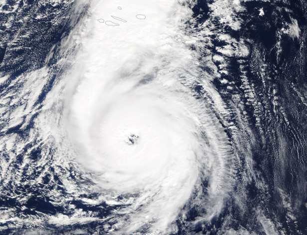 Burza tropikalna Ophelia. Zdjęcie satelitarne