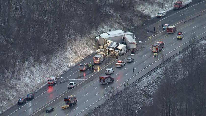 Karambol na autostradzie w USA. 5 osób nie żyje. 60 rannych