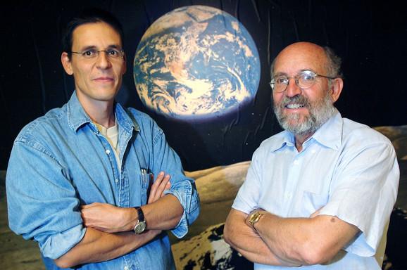 Mišel Major i Didijer Kloz su prvi egzoplanetu otkrili 1995.