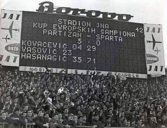 Semafor po završetku duela Partizan - Sparta Prag