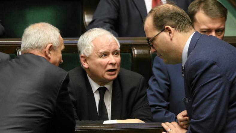 Sejm. Od lewej: minister Krzysztof Tchórzewski, prezes PiS Jarosław Kaczyński, Andrzej Jarowski i Mariusz Błaszczak