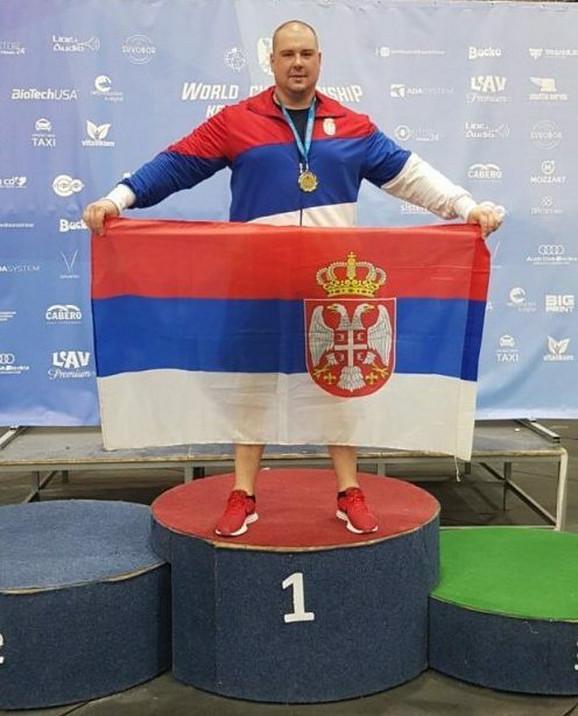 Svetski šampion Nemanja Najvirt