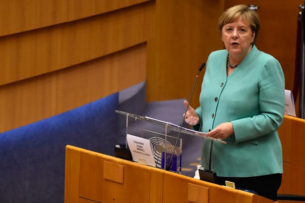 Angela Merkel w czasie przemówienia w Parlamencie Europejskim. 8.07.2020