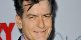 Charlie Sheen znaleziony w swoim apartamencie żywy. Miał 48 lat!