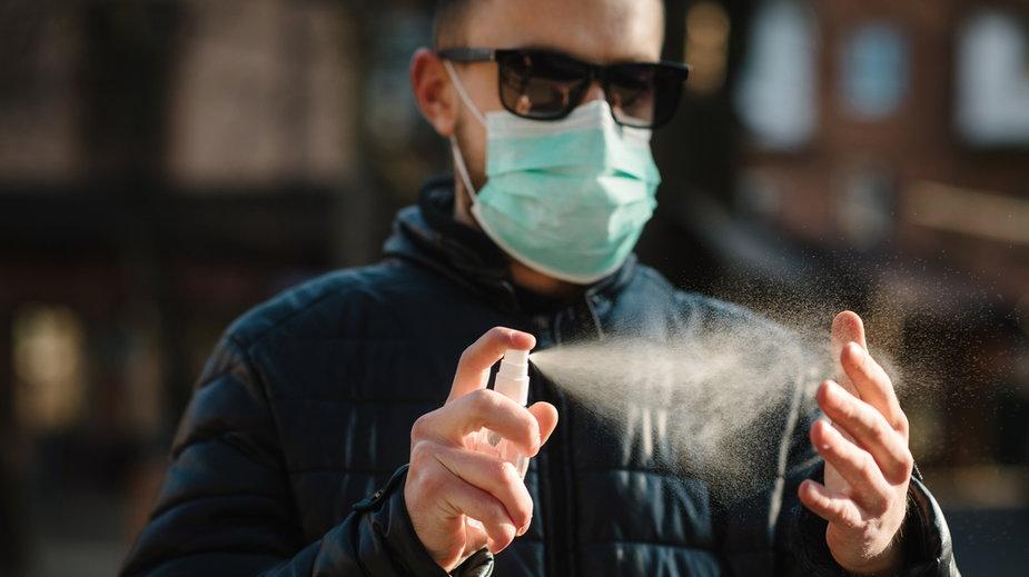 Szczepionka w aerozolu przeciwko COVID-19 będzie testowana w Wielkiej Brytanii