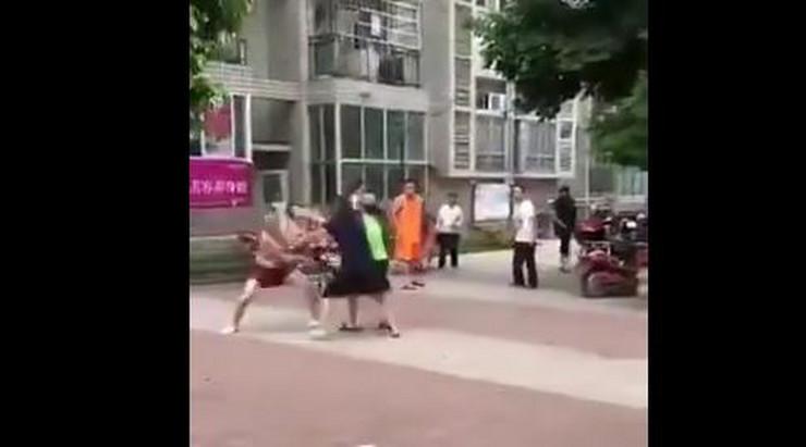 kina tuča ljubavnicic
