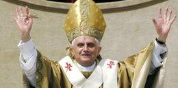 Oto życie papieża Benedykta XVI po abdykacji. Będzie miał białą sutannę, ale...