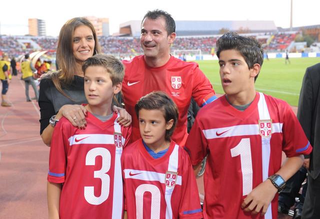 Porodica Stanković na Dejanovoj oproštajnoj utakmici