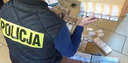 Nielegalne papierosy w rękach policji