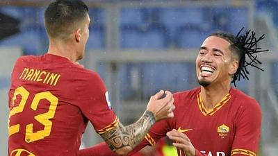Roma's Smalling 'very shaken' after armed robbery