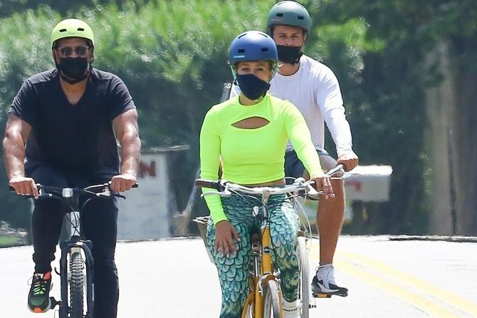 Džej Lo i Rodrigez tokom pandemije korona virusa redovno voze bicikl