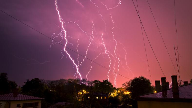 IMiGW wydał ostrzeżenia przed upałami i gwałtownymi burzami dla 14 województw