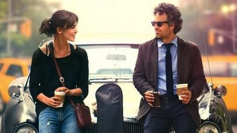 "Mark Ruffalo i Keira Knightley na plakacie filmu ""Begin Again"""