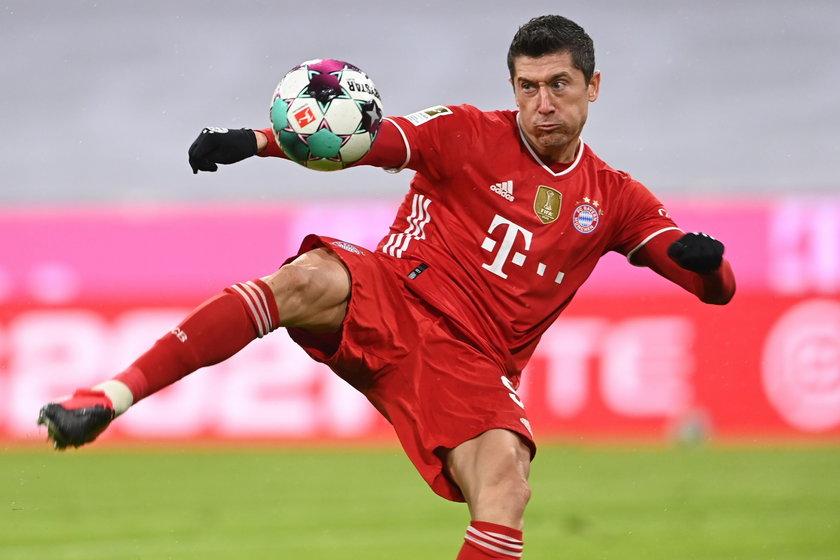 Robert Lewandowski (33 l.) wyleczył kolano i prawdopodobnie jutro 23 kwietnia zagra w Bundeslidze