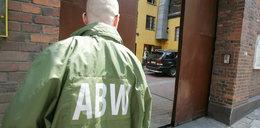 Oficer z ABW pojechał na akcję bez broni. Pobili go