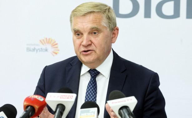 Ja ciągle liczę na to, że rząd się opamięta i nie będzie od nas wymagał narażania członków komisji i urzędników pracujących przy organizacji wyborów - mówi Tadeusz Truskolaski