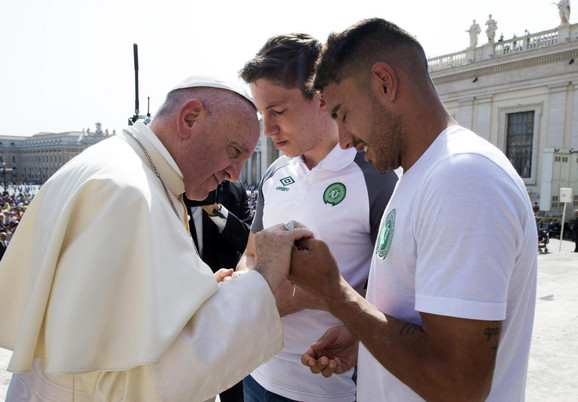 Papa Franja sa Folmanom i Rušelom