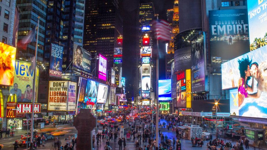 Nagranie z mężczyzną lecącym na drobie przez Times Square obejrzano już ponad 5 mln razy