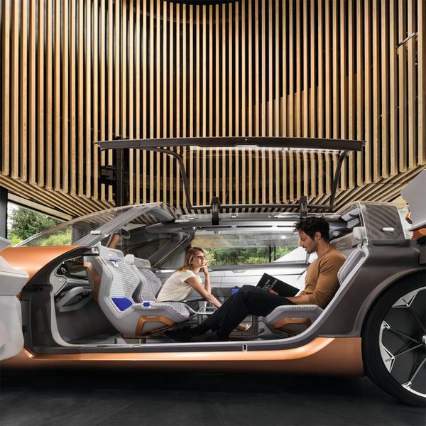 Renault Symbioz - wizja samochodu, który będzie stanowić część domu - i to dosłownie!