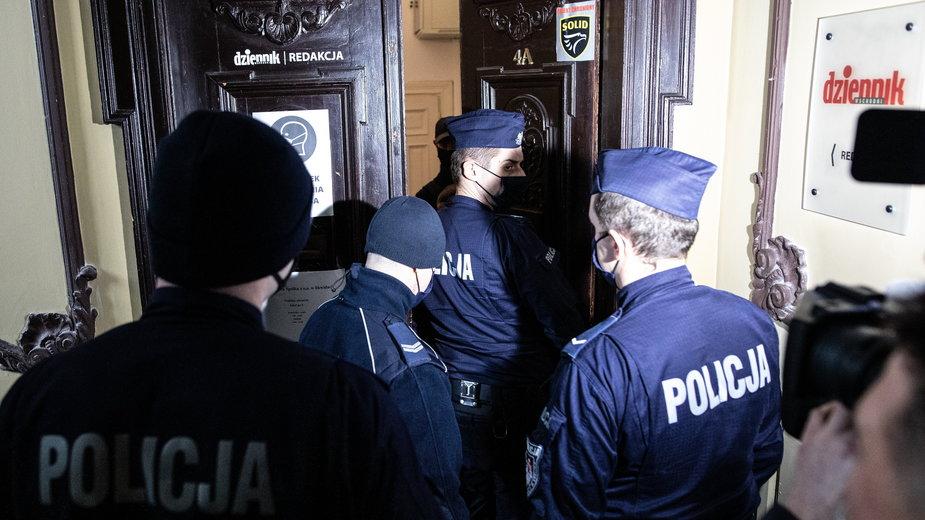 """Policja wchodzi do redakcji """"Dziennika Wschodniego"""""""