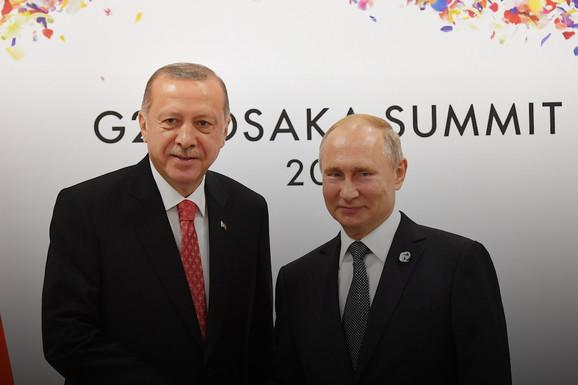 SADA JE STVARNO PROBLEM Rusi isporučili Erdoganu S-400, Amerika sprema ŽESTOK ODGOVOR (VIDEO)