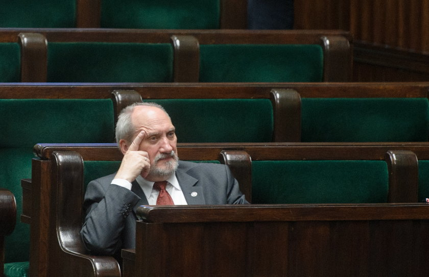 W rządzie PiS zabraknie Antoniego Macierewicza?