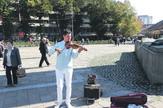 Hoće da plati taksu, a ne kaznu: Danilo Anđelković na Trgu u Kraljevu