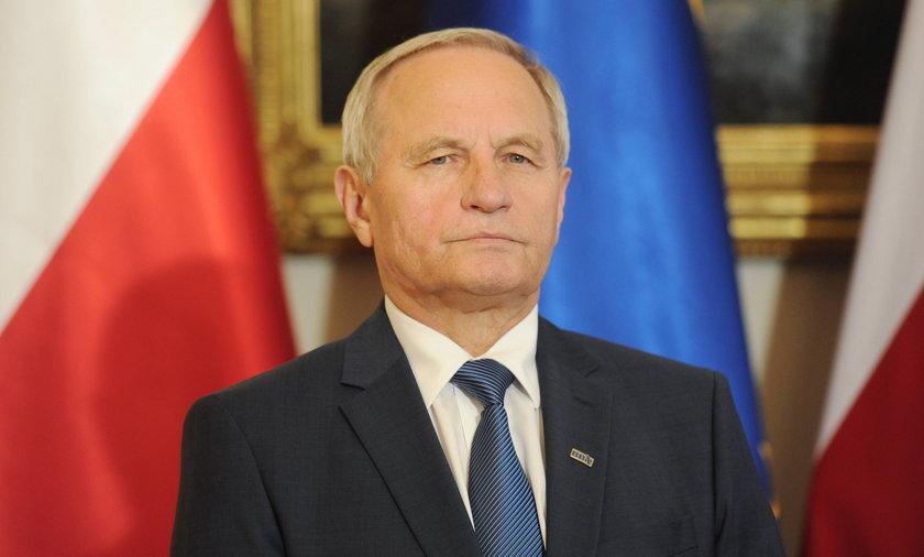 """Generał Koziej trafił do szpitala. """"Znów trochę trzeba zwolnić tempo"""""""
