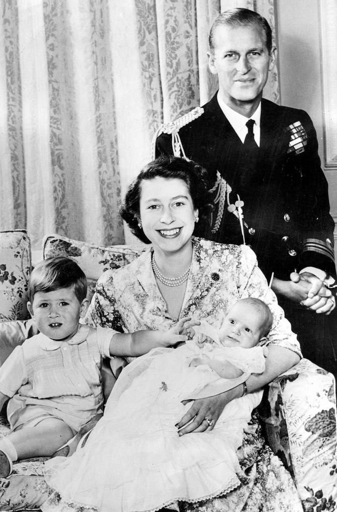 Kraljica Elizabeta kao mama